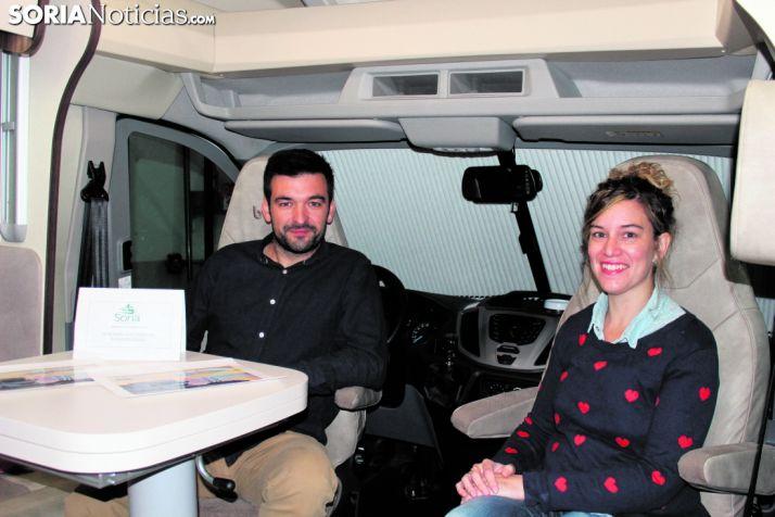Sergio Esteban y Marta del Moral, creadores de Autocaravanas Soria.