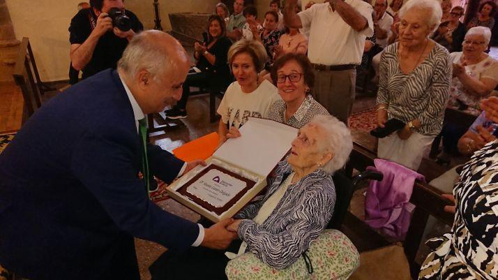 Foto 2 - Concurrido homenaje en Trévago a la centenaria Susana Lázaro Delgado