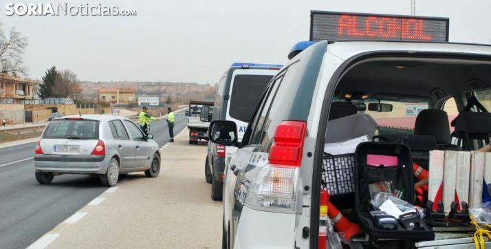 Foto 1 - Tráfico incrementa los controles de velocidad, alcohol y drogas durante este puente en las carreteras sorianas