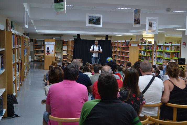 Foto 2 - Los cuentacuentos llenan la biblioteca pública de Soria