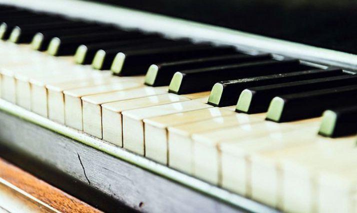 Foto 1 - El pianista Davis Garijo, en concierto en el Casino