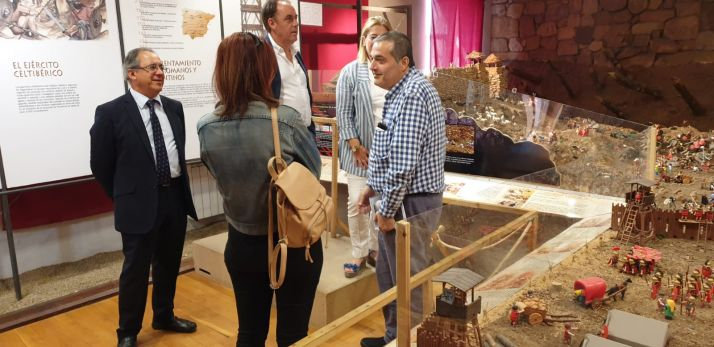 Foto 2 - La exposición de 'clicks' en Garray recibe a su visitante número 10.000