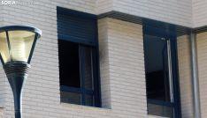 Foto 3 - Dos personas evacuadas por un incendio en Venerable Carabantes