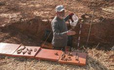 Una imagen con los restos de la fosa. /ASRD