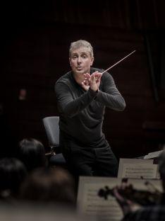 Alexander Liebreich, director. /Sammy Hart