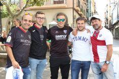 La afición oscense baña de azulgrana las calles de Soria. SN