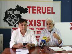 Tomás Guitarte (izq.) y Manuel Gimeno, portavoces de Teruel Existe.