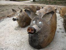 Una imagen del conjunto escultórico sobre el cerdo.