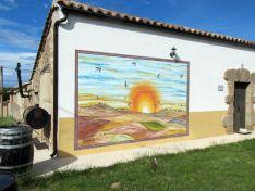 El museo al aire libre de Almarail culmina su rincón de homenaje al cerdo.
