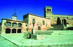 Plaza Mayor de Morón de Almazán.