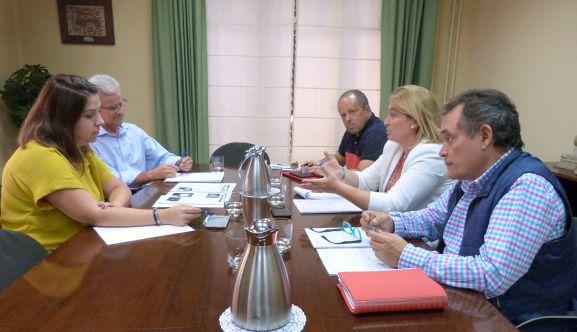 Los representantes sorianos, a la derecha, durante el encuentro con responsables provinales turolenses.