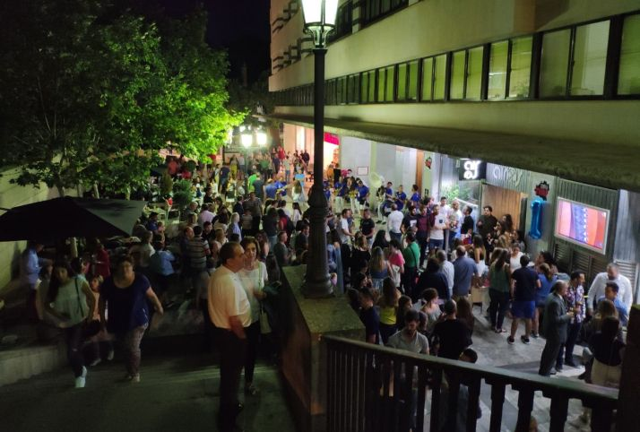 Ambiente del Airos Café Pub. /Fb