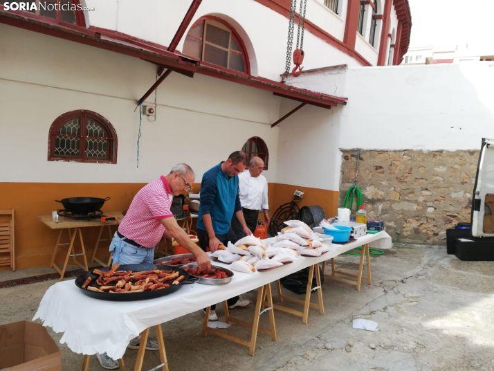 Misa, folclore y paella, bajo un buen ambiente, en la jornada de convivencia de la Peña Taurina de Soria