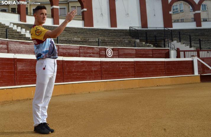 Jorge, en el coso de San Benito preparándose para el domingo. /SN