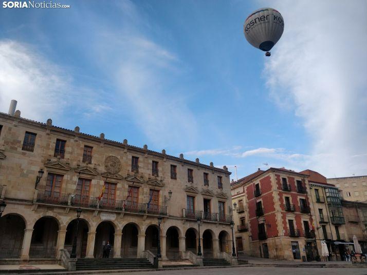 Imágenes del globo a su paso hoy por Soria