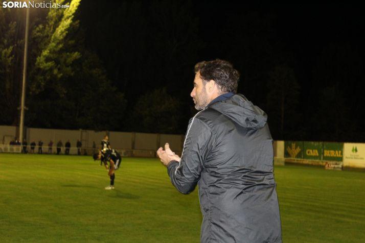 Foto 1 - El Almazán sigue jugando a la ruleta rusa ante el Beroil Bupolsa (0-0)