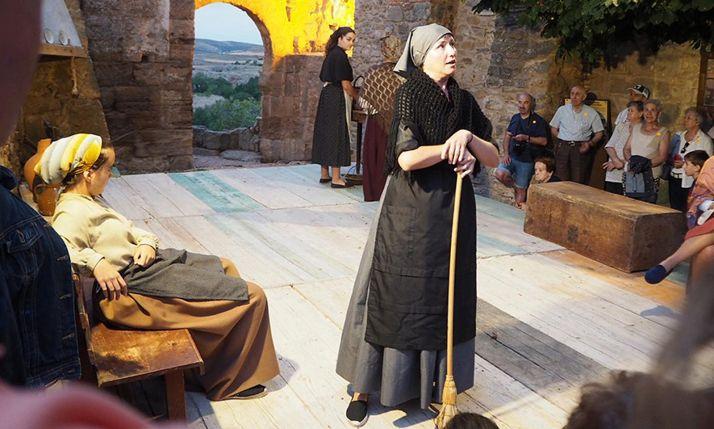 Una escena de las Rutas teatralizadas de este verano. /Yolanda Aroz.