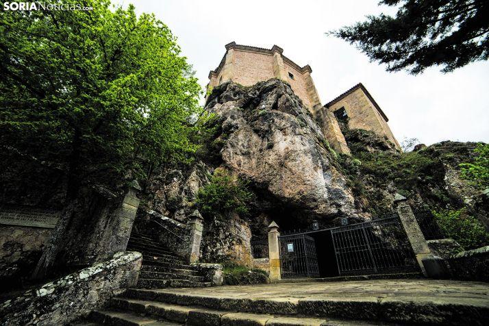 La ermita de San Saturio en Soria.