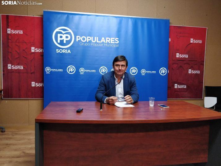 Carlos Castro en la sala de prensa del consistorio. SN