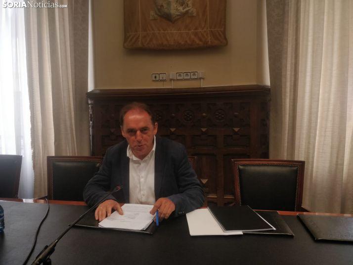 Benito Serrano en la rueda de prensa de hoy. SN