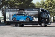 """Un escaparate móvil de Peugeot trae """"el poder de elegir"""" a Soria"""