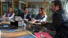 Una imagen de la reunión hoy en El Hueco. /SN