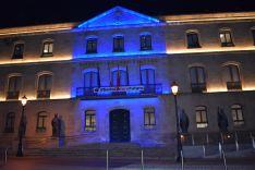 Palacio provincial iluminado de turquesa. /Diputación