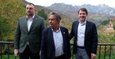 Los presidentes de las tres autonomías, con Mañueco a la derecha.