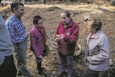 El objetivo del micoturismo es que los visitantes encuentren en el bosque un espacio para disfrutar y para conocer y respetar el monte. Carmen de Vicente