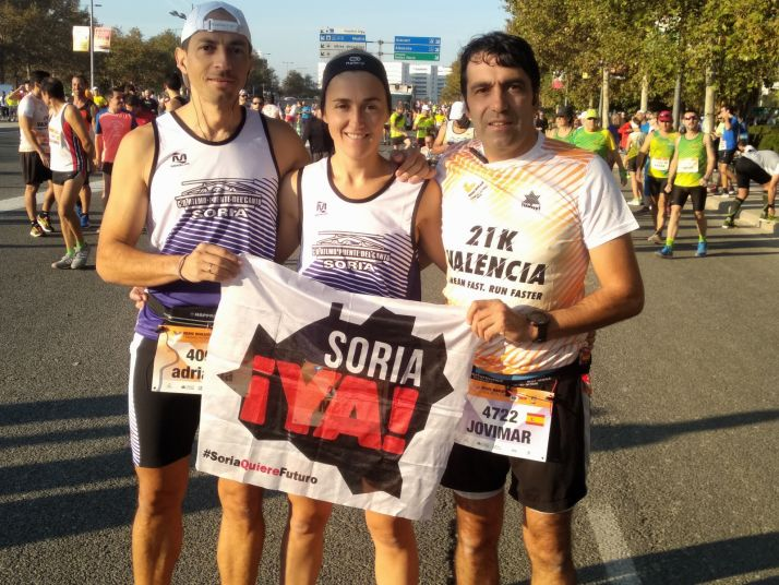 Sorianos portan la bandera de la Soria ¡Ya! en la cita atlética.