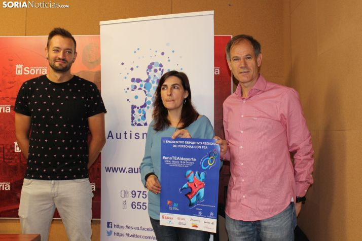 Manu Salvador, Abel Antón y Nuria Santa Cruz han presentado esta mañana el III Encuentro deportivo regional de personas con TEA en el Ayuntamiento de Soria. SN
