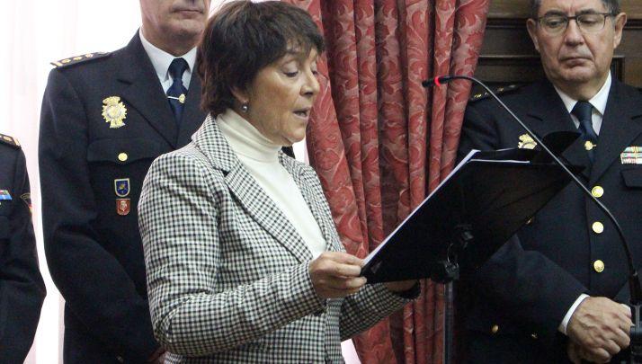 Mercedes Martín en la toma de posesión del nuevo comisario de Soria.