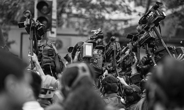 Foto 1 - La Junta convoca diez becas de Comunicación para titulados en Periodismo