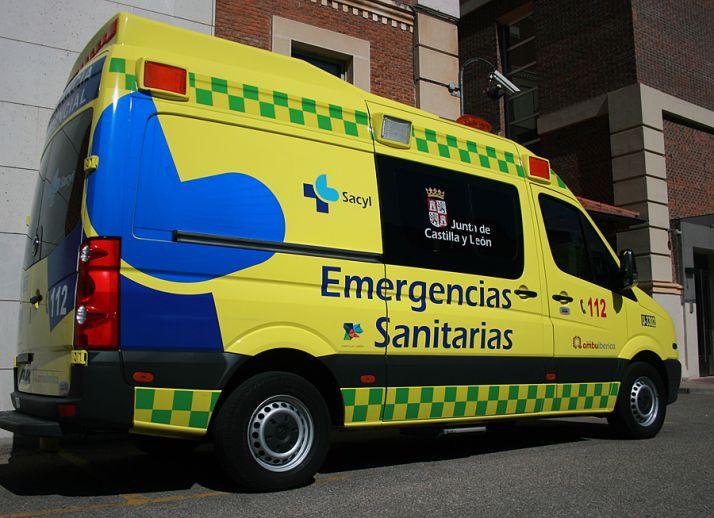 Un conductor ebrio de 60 años choca contra una casa en Salamanca