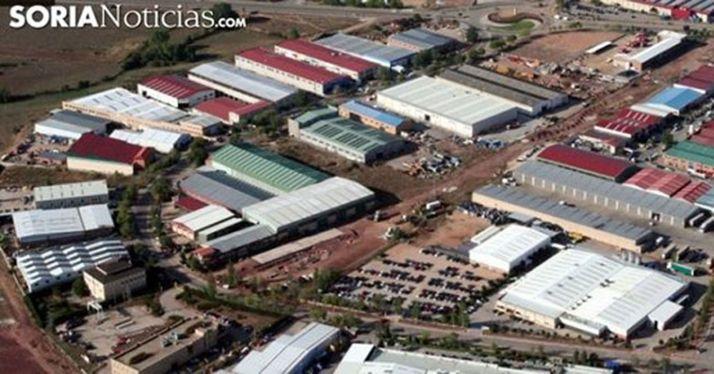 Foto 1 - Mañueco anuncia para antes de final de año una rebaja media del 15% en el precio del suelo industrial de la Junta