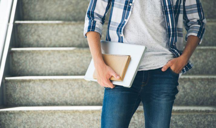 Modificado decreto de ayuda a huérfanos de víctimas de violencia de género para mejorar su acceso a estudios universitarios