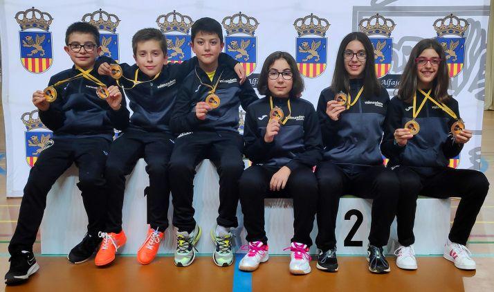 Hugo Sanz (izda.), Miguel Pérez, Ian Antón, Diana García, Carmen Carro e Irene Gárate
