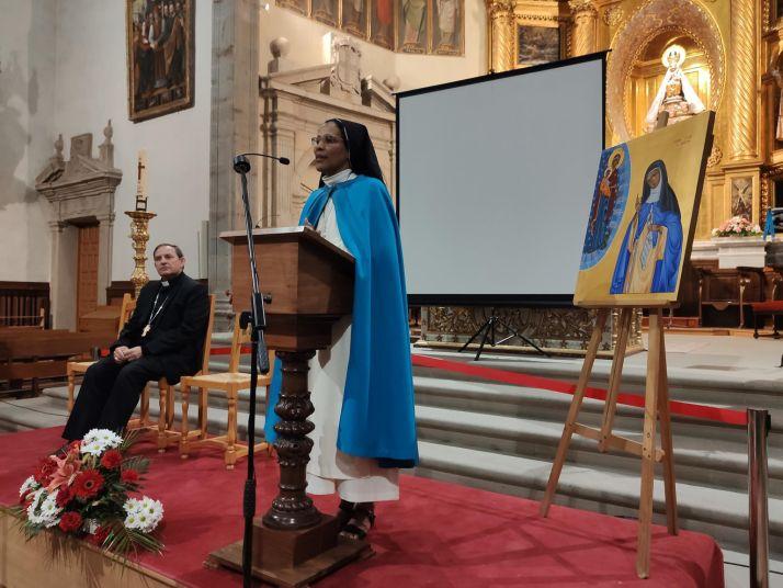 Sor Vianney y el obispo de Osma-Soria Abilio Martínez Varea. /DOS