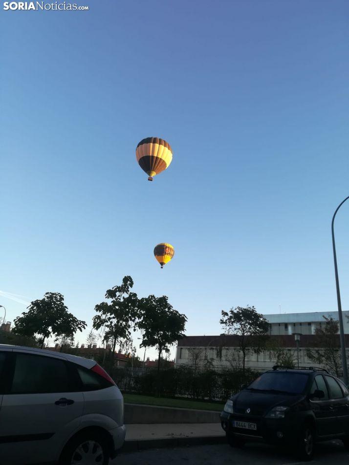Foto 2 - De nuevo, el misterio. Ya no es un globo, son dos