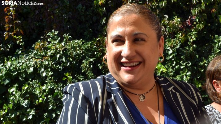 Yolanda de Gregorio, ante los periodistas este martes en Buitrago. /SN