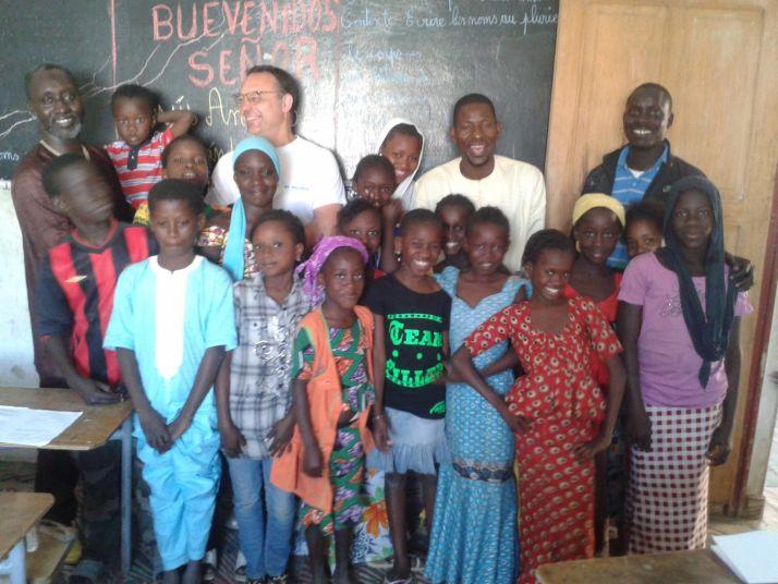 Foto 1 - Campaña de recogida de material escolar para Cabo Verde