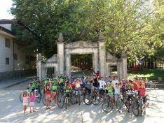 En la puerta de La Dehesa de Ágreda. Club Ciclista Moncayo Soriano