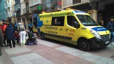 Los servicios sanitarios tras acudir al lugar del accidente. /SN