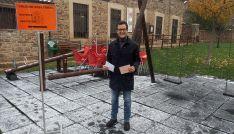 Cabezón, ante el colegio electoral de su municipio.