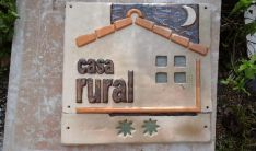 Distintivo de un alojamiento rural. /talleranoitina.es