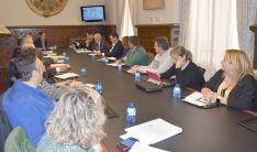 Consejo Provincial de Desarrrollo Económico con representantes de la empresa promotora este lunes.