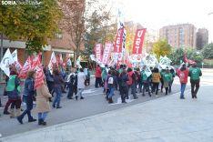 Una imagen de la concentración ante la sede de la Junta en la capital soriana. /SN