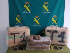 Foto 3 - Incautados 92 kilos de hachís en Matalebreras gracias a la llamada de un vecino