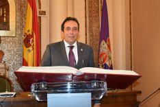 Toma de posesión de Raúl Lozano.