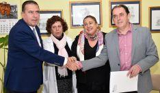 Barrio (izda.), Andrés, De Gregorio y Serrano tras la firma del acuerdo. /SN